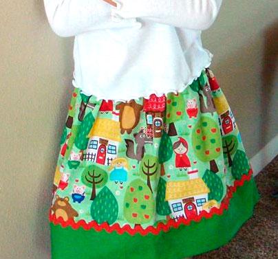 Tela para falda con dibujos de caperucita