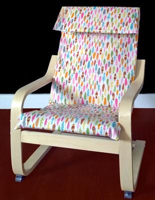 Funda silla con estampado de plumas de colores