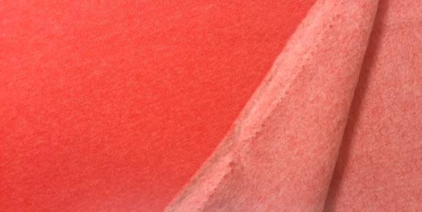 Detalle tela sudadera roja