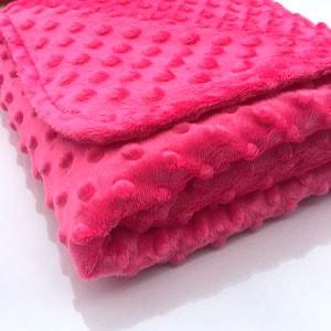 mantita bebe con tela de minkee rosa fuerte