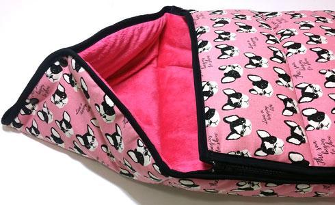 Tela pink dogs saquito bebe