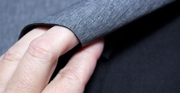 Tela de neopreno gris detalle trasero