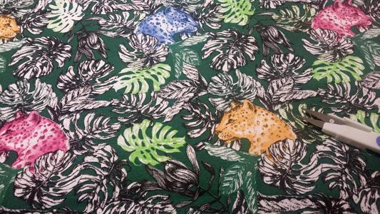 Loneta guepardos y hojas