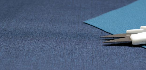 Detalle tela neopreno azul oscuro