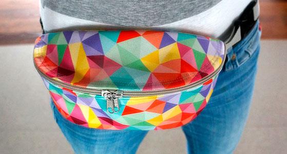 Bolso de cintura con tela impermeable arcoiris