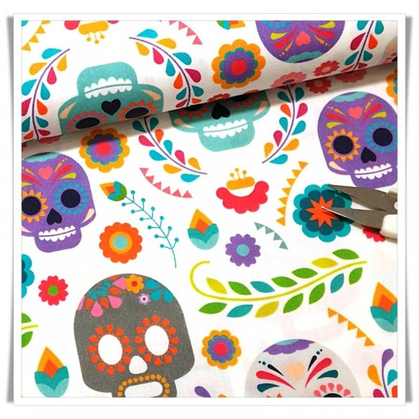 https://www.costurika.es/1476-thickbox_default/calaveras-fondo-blanco.jpg