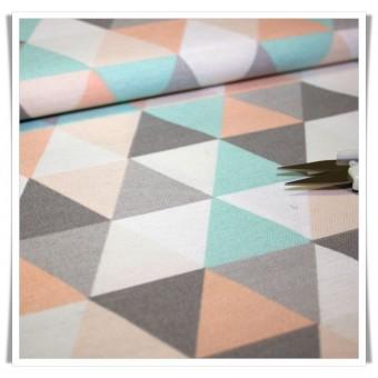 Loneta triángulos pastel