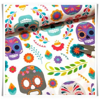Fat quarter calaveras fondo blanco