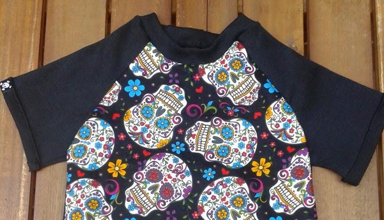 Camiseta ranglan calaveras