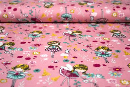 Detalle tela hadas y flores en rosa