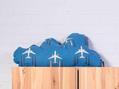 Cojin con tela de aviones